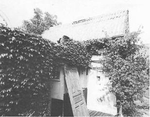 Zahradní domek s garáží v Bechyni