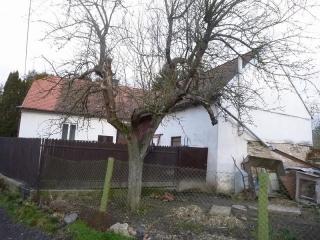 Podíl 1/8 na rodinném domě v Ronově nad Doubravou