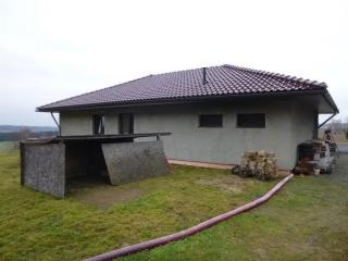 Rodinný dům v Lučici s pozemky 19802 m2